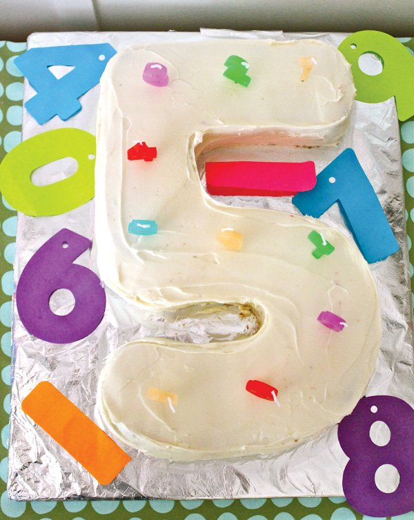 5th Birthday Cake Shaped As The Number 5