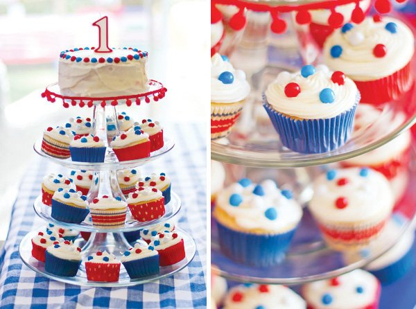 patriotic pinwheels party cupcakes