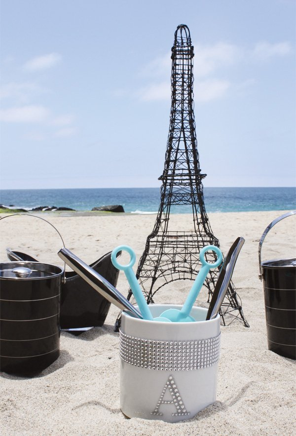 tiffany themed beach party with a wire frame eiffel tower