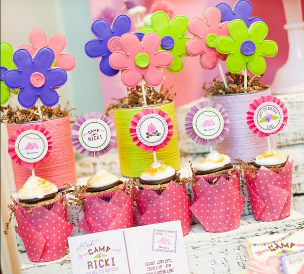 glamping party cupcakes