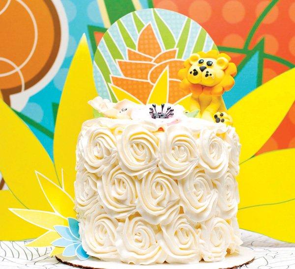 jungle lion flower cake