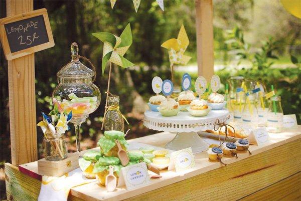 lemonade stand dessert table