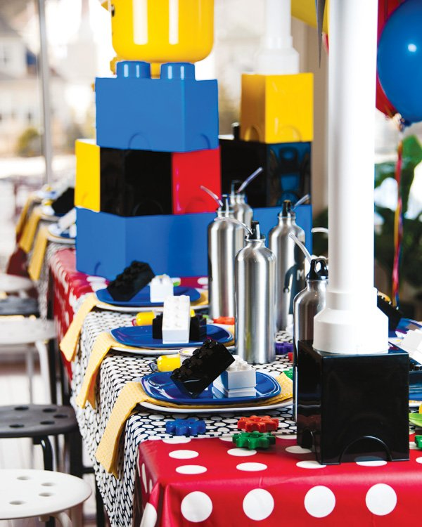 master builder lego birthday party tablescape