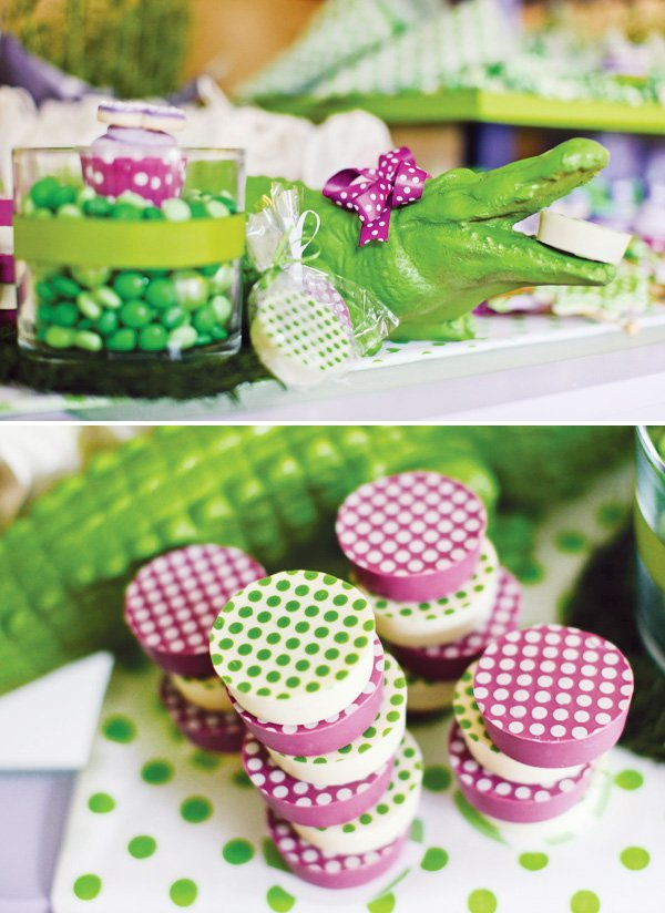 Purple polka dot croc birthday party hostess with the - Decoration table communion fille ...