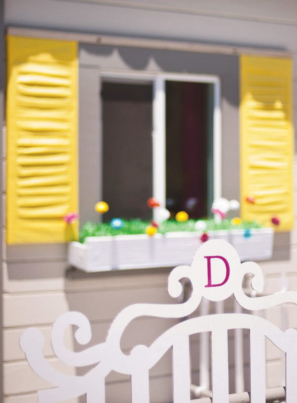 real paper dollhouse gate