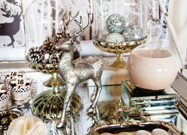 silver reindeer decor