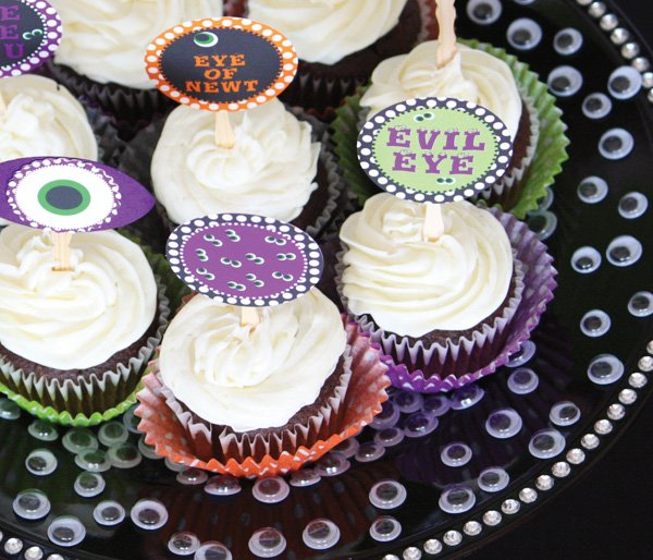 eyeball halloween cupcakes