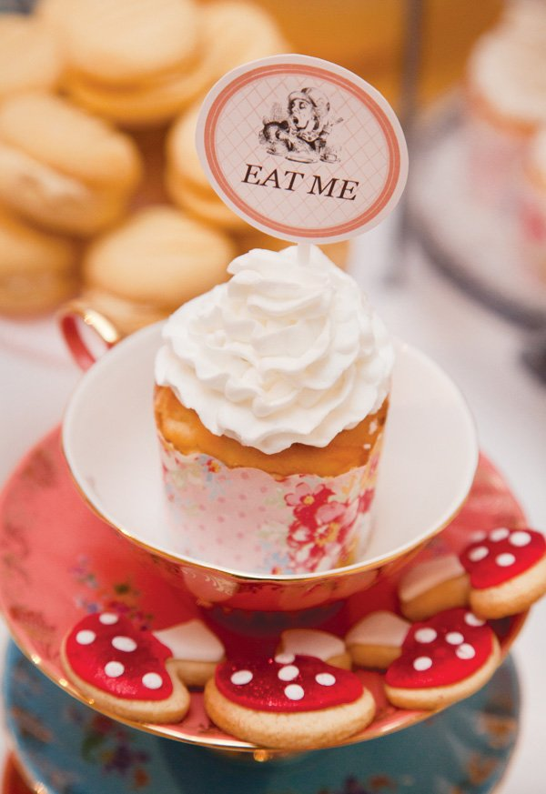 alice in wonderland cupcake topper