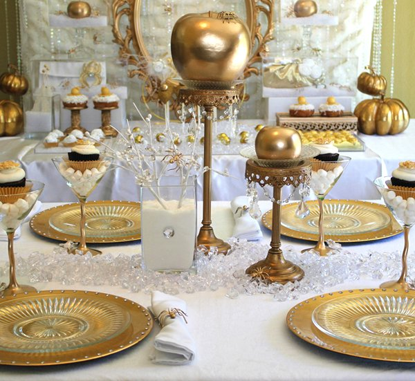 bitten gold tablescape