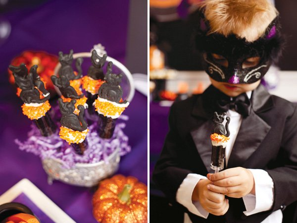 Black cat halloween push cakes