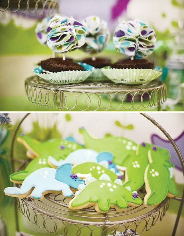 dinosaur cookies and cake toppers