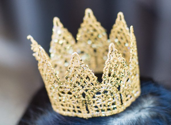 diy glitter lace crown