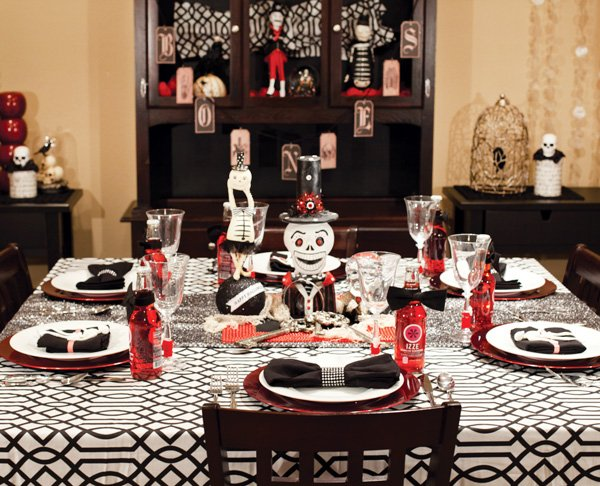 Halloween tabletop in black and red
