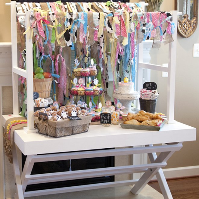 barnyard party dessert table