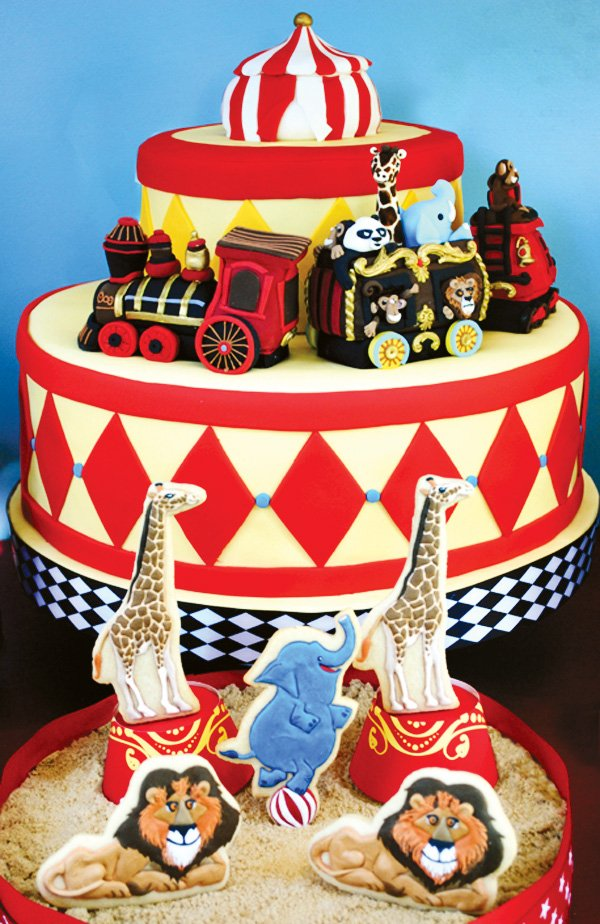 argyle circus train cake