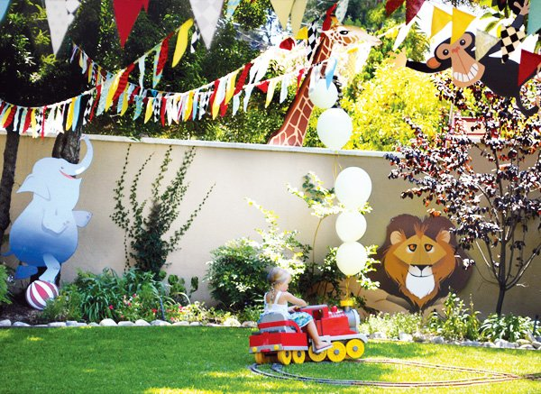 kids circus train party
