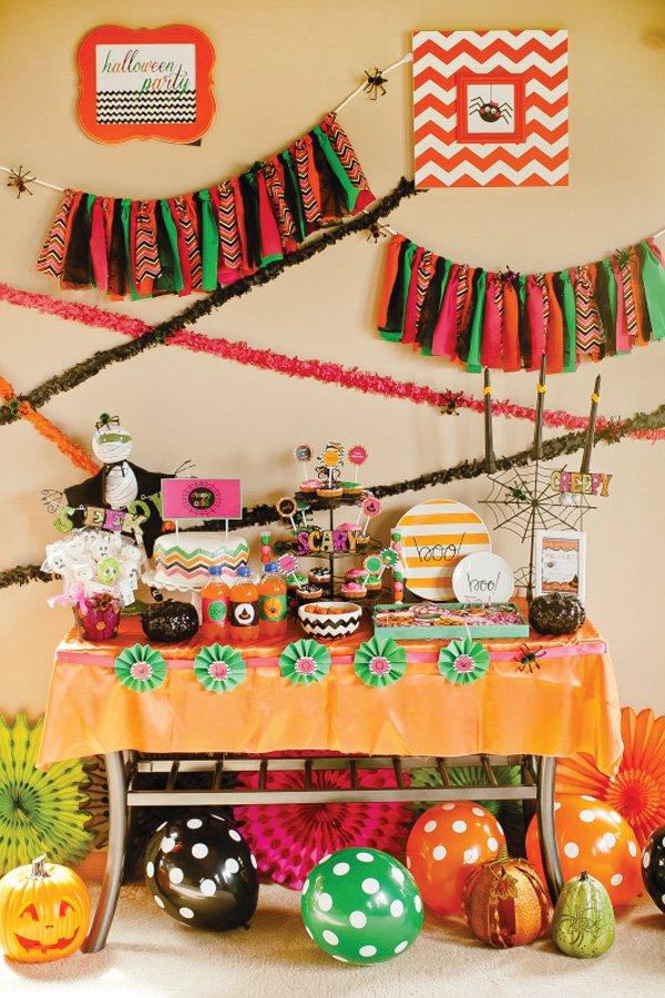 Kids Halloween Party dessert table
