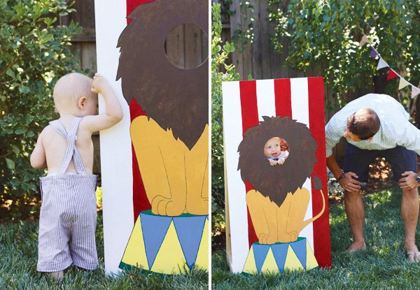 lion circus sign