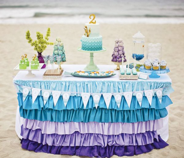 diy ombre ruffled table cloth