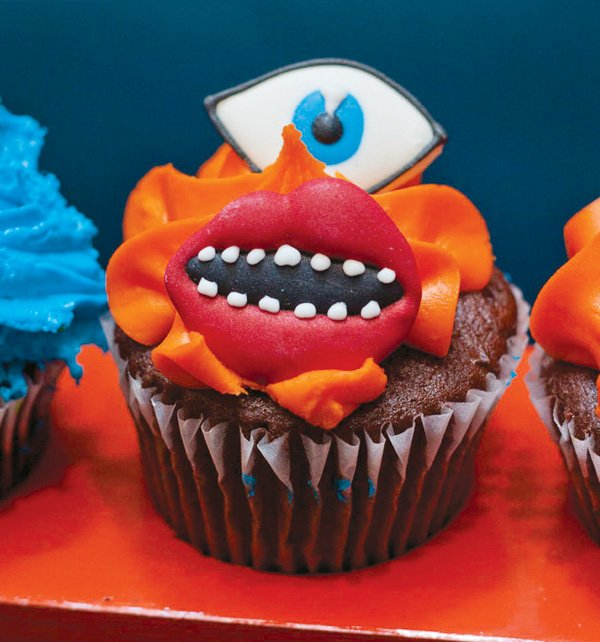 monster face cupcake