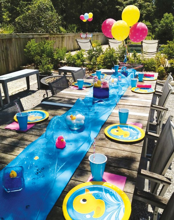 pool party patio tablescape