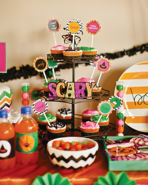 Halloween cupcake display