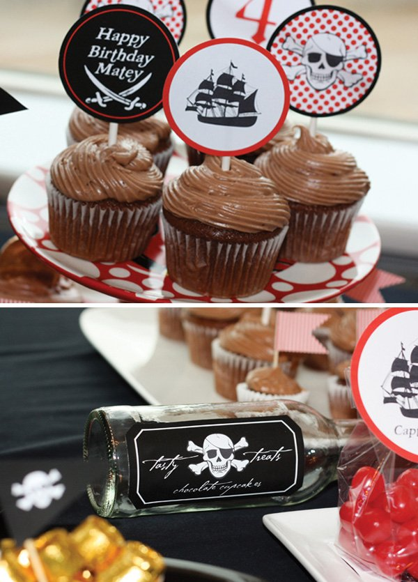 pirate ship cupcakes