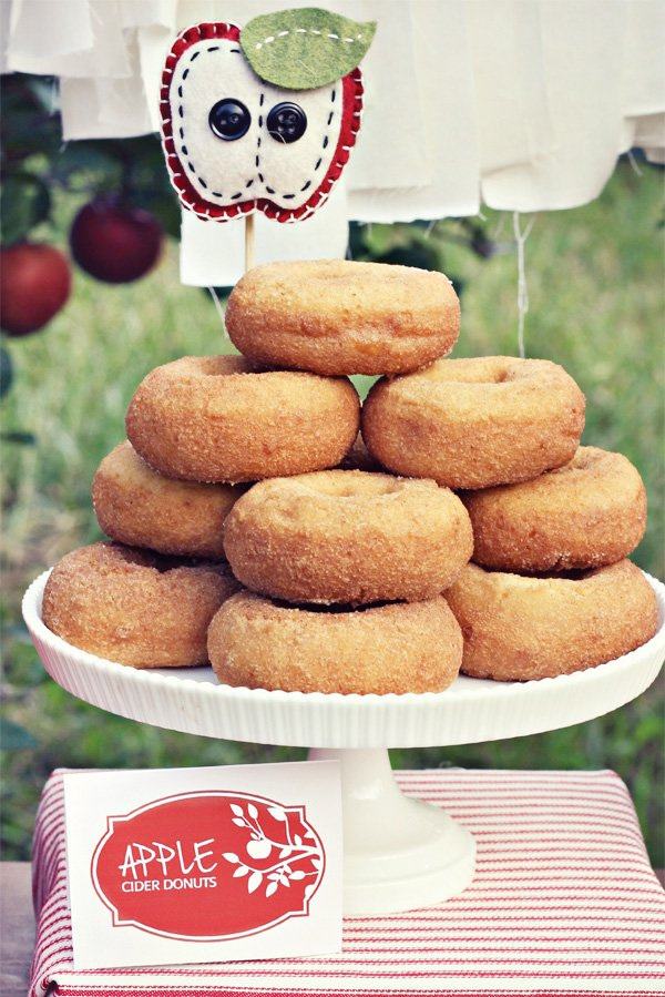 apple donut stand