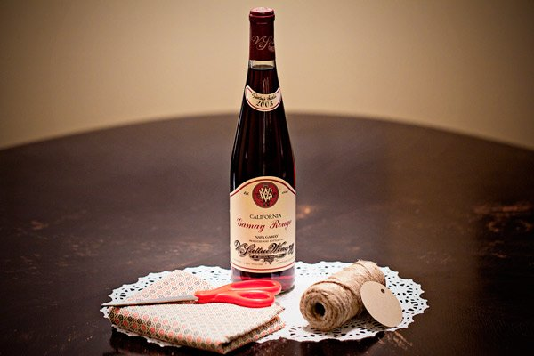 Wine Gift Wrap With Material DIY