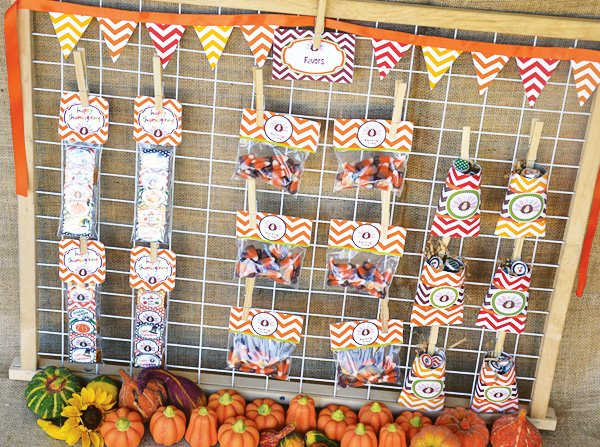 chevron thanksgiving goodie bag wall