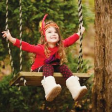 kids-thanksgiving-party-swing