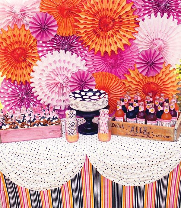 paper rosette table backdrop