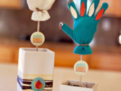stuffed mitten turkey craft - Thanksgiving or farm party decoration