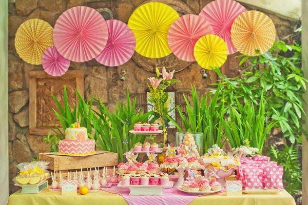 pink lemonade dessert table