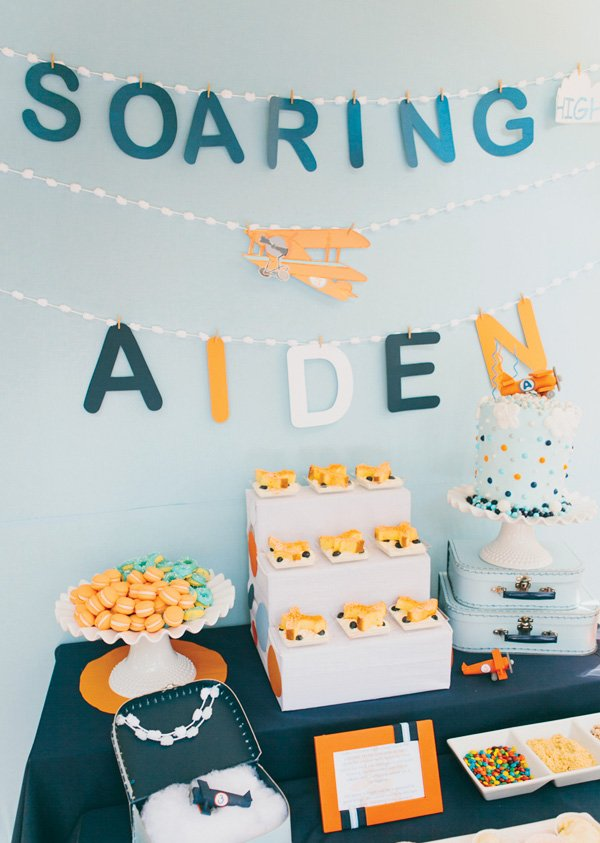 airplane dessert table
