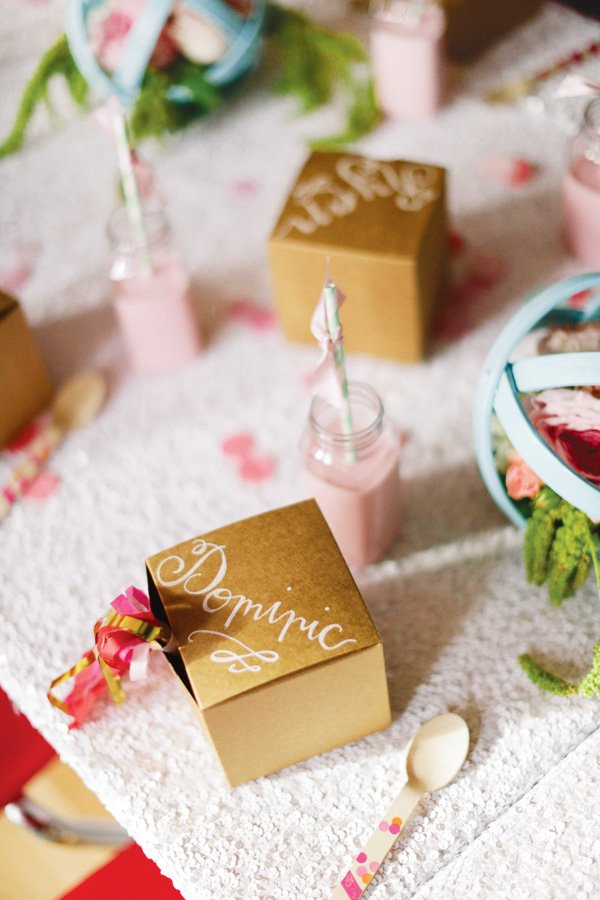 calligraphy box place setting