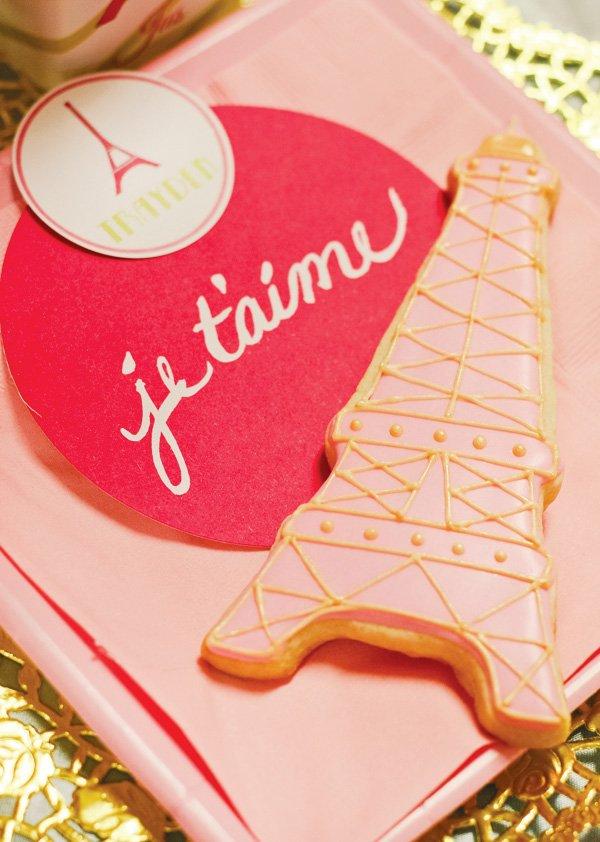 eiffel tower cookie