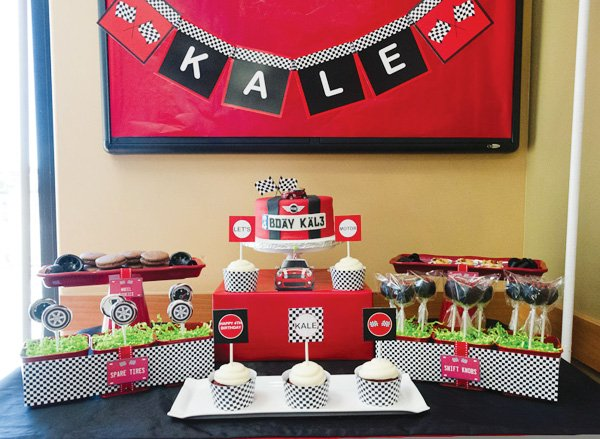 mini cooper car dessert table