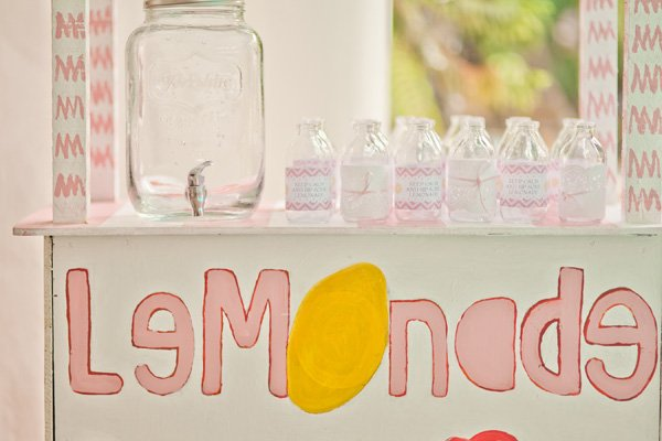 lemonade stand drinks