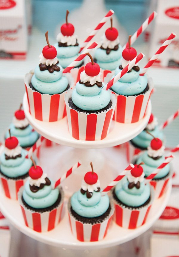Cupcake Themes Ideas : Awesome Retro 50 s Diner Party {2nd Birthday} // Hostess ...