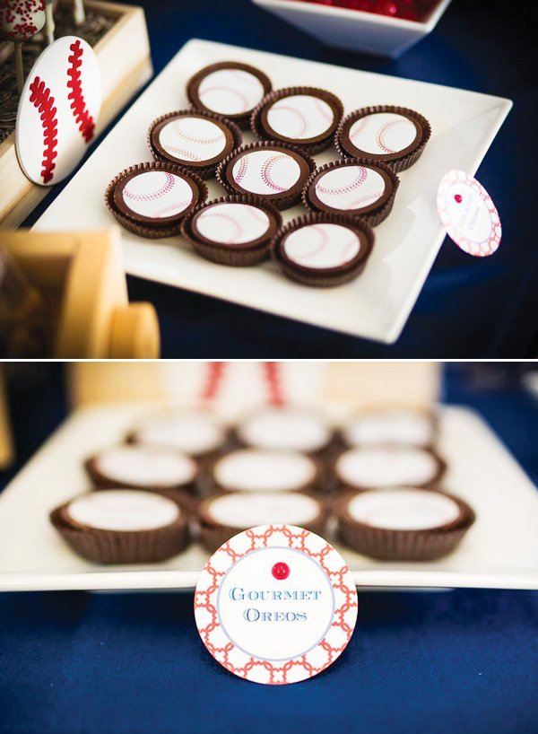 baseball decorated oreos