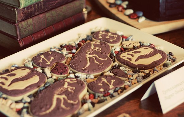 t-rex cookies for a fossil party