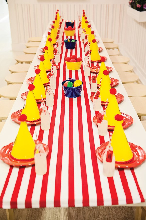 circus party kids table