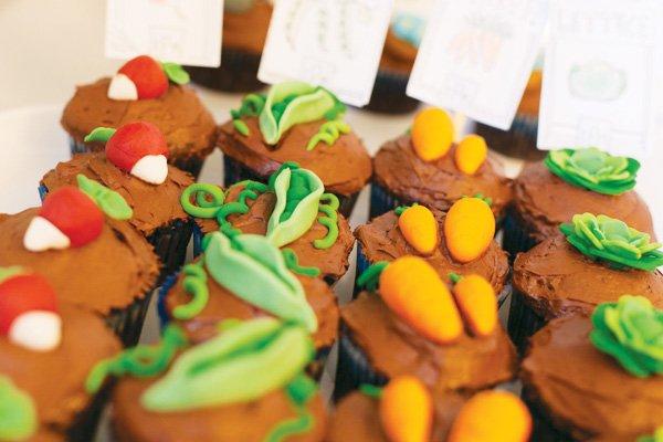 garden veggie cupcakes