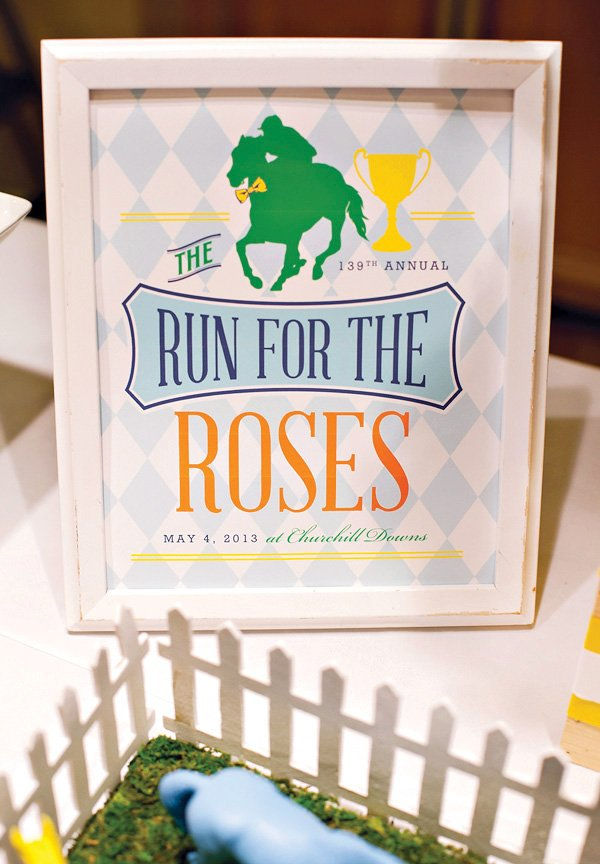 Run for the Roses Free Printable Sign