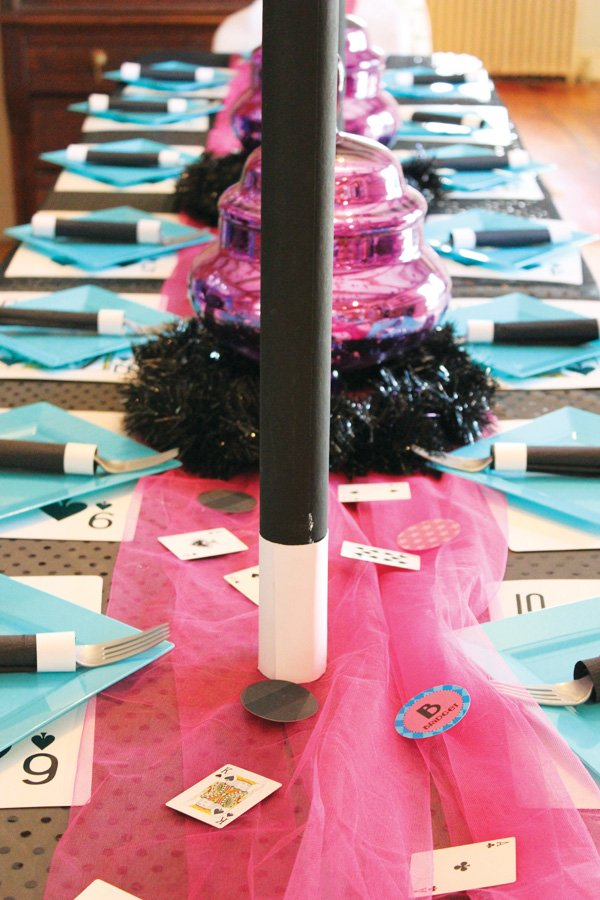 magic party kids tablescape ideas