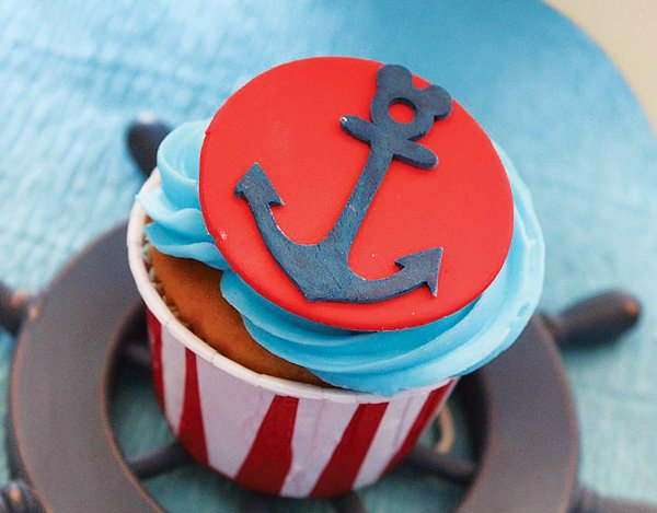 Anchor cupcake topper