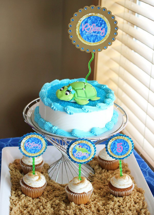 sand and sea turtle cake and cupcakes