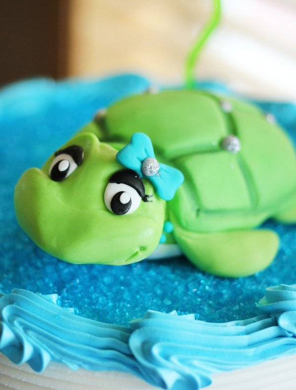 sea turtle fondant topper