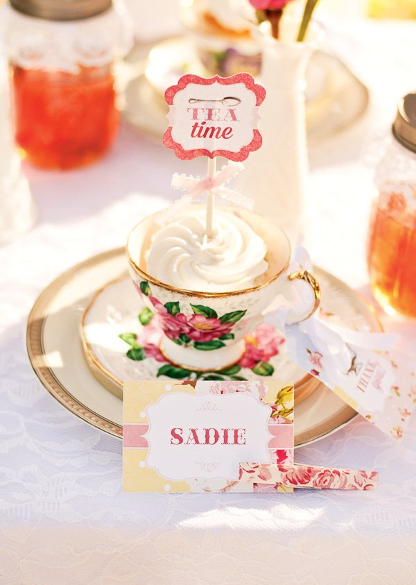 tea time party circle